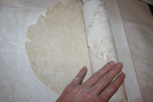 roll-the-pie-crust-around-the-rolling-pin