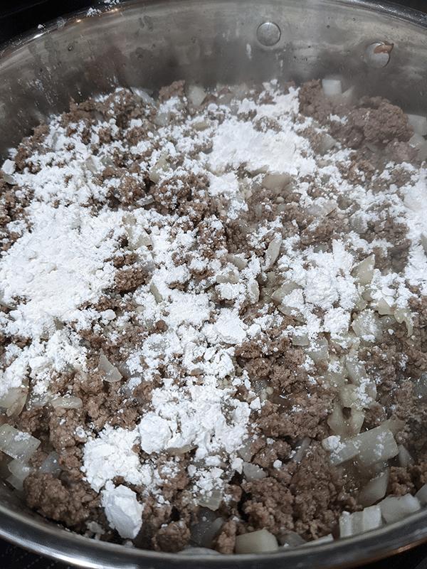 Ground-beef-flour-even